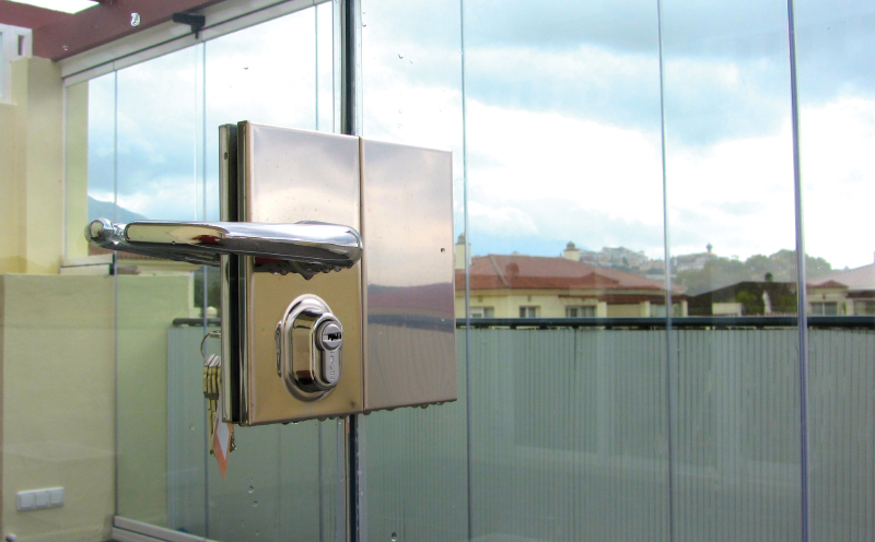 Glass-Dynamics-nuestros-productos-glass-courtains-trivel-cerradura terrace-glass-enclosure