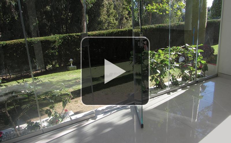 Glass-Dynamics-cerarmiento-de-terrazas-puertas-deslizantes-video-funcionamiento