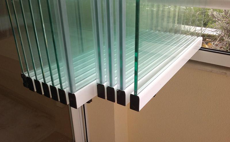 Glass-Dynamics-cerramientos-para-terrazas-color-complementos-negro