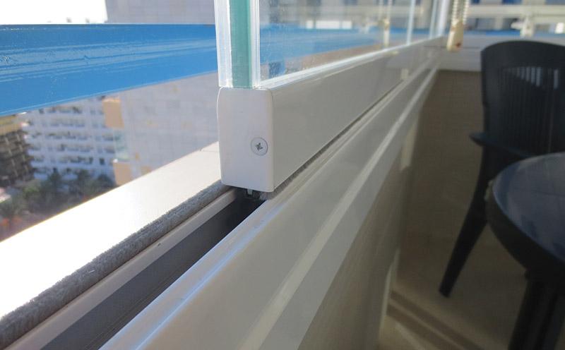 Glass-Dynamics-cerramientos-para-terrazas-complementos-blancos