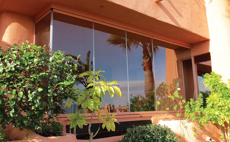 Glass-Dynamics-cerramientos-para-terrazas-perfil-salmon
