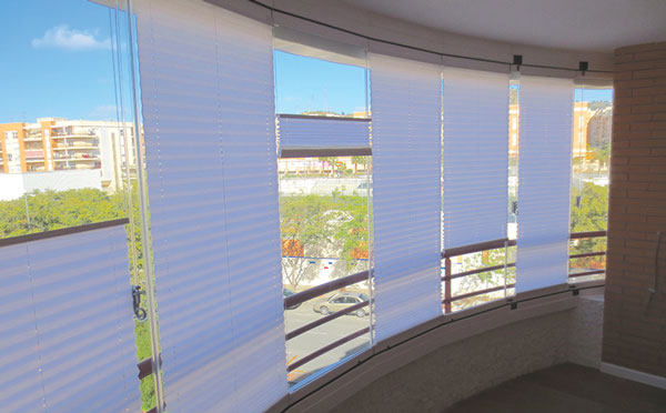 Glass-Dynamics-Cortinas-de-cristal-cortinas-plisadas-malaga-fuengirola-mijas-benalmadena